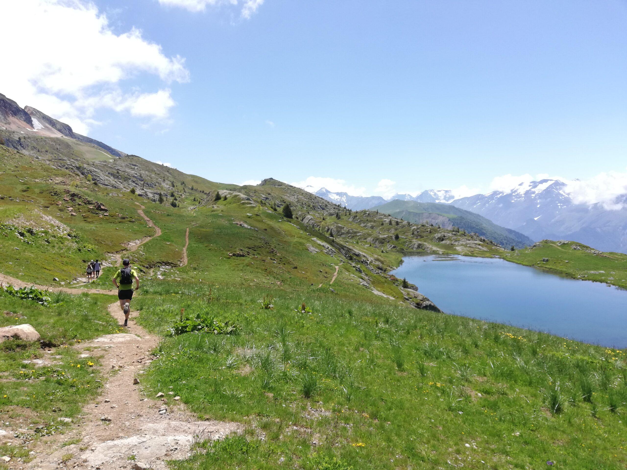 Traileur sur les sentiers de l'Oisans, au-dessus de l'Alpe d'Huez, été 2020